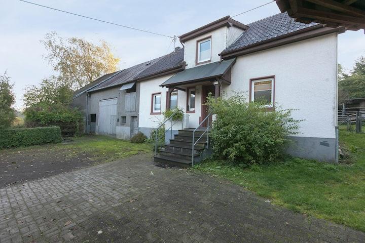 Villa con encanto en Steineberg Eifel cerca del bosque