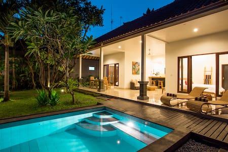 Relaxing 2BR Villa in Seminyak Bali - Kuta