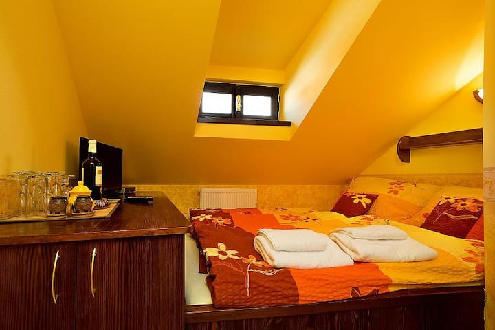 Attic single room