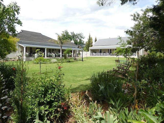 Sorgvry House of Guests - Large Garden Cottage - Barrydale - Pensione