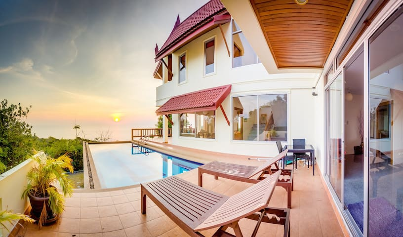 Huge Beachview Villa with Pool - Temple House - Ko Lanta Yai - Hus