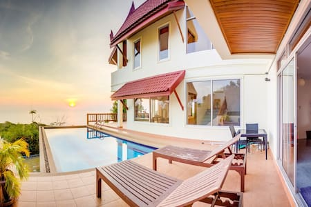 Huge Beachview Villa with Pool - Temple House - Ko Lanta Yai