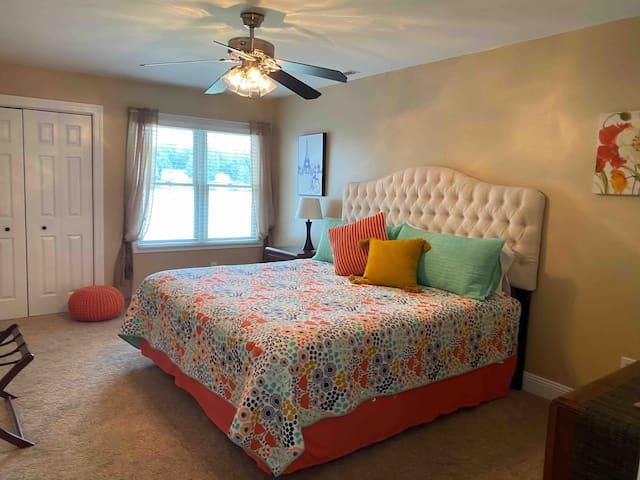 King Bedroom - 2nd Floor