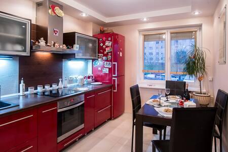 Красивая-2-комн квартира у метро - Minsk - Apartment