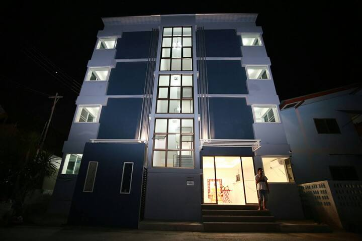 P  HOUSE5