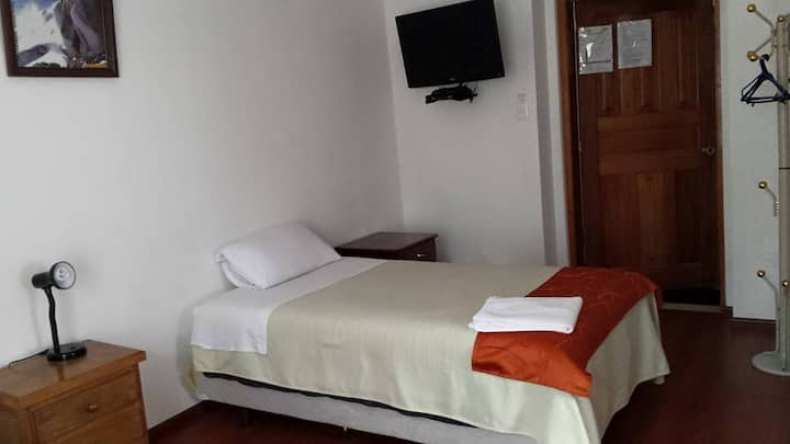 Beautiful Private Single Room with Breakfast