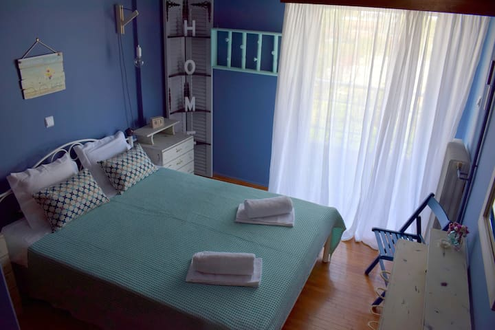 Bedroom with one double room