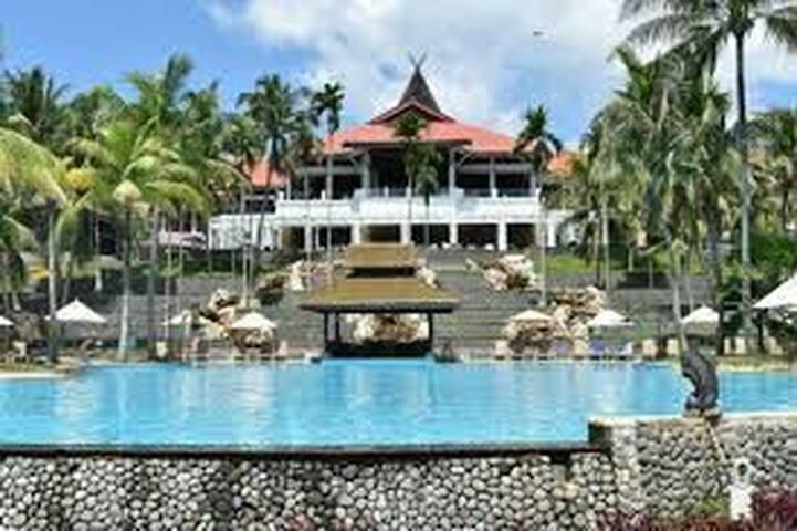 Bintan hotel resort & mangrove or fireflies tour