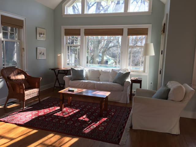 A Lovely New England Retreat on Long Island Sound.