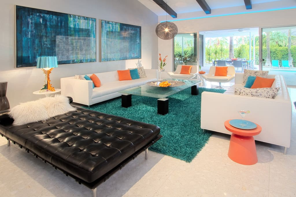 Huge sunken living room, more than enough room to hang out with the entire group.