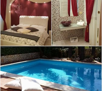 Camera matrimoniale n.3  con piscina - RIPOSTO