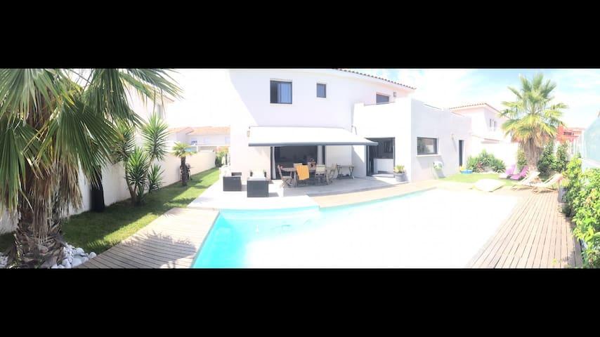 Belle villa moderne de 170m2, piscine,proche mer