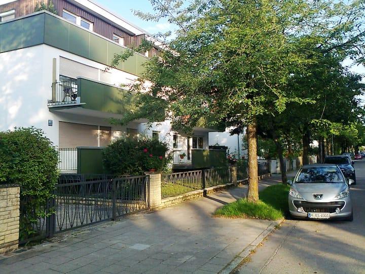 Noble 3 room apartment with Biedermeier furniture