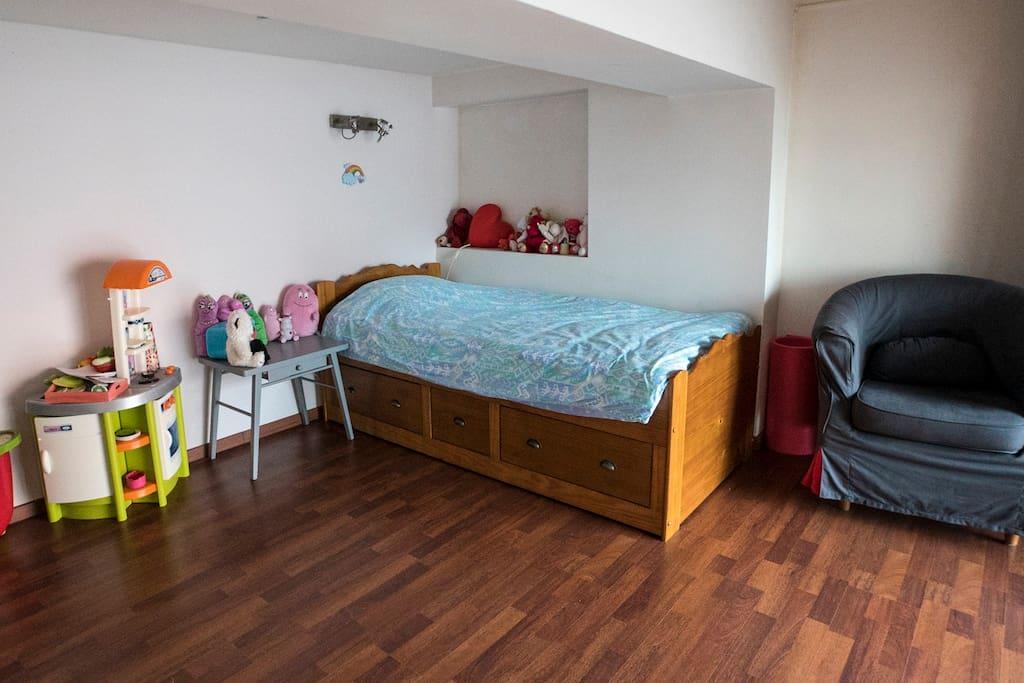 Chambre 3 personnes cot de la gare de tourcoing lofts for Chambre 3 personnes