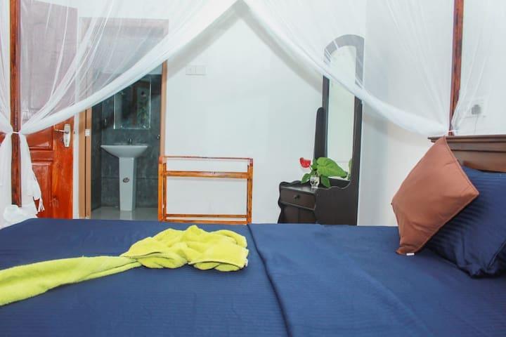 Monara guesthouse, 3min to the beach