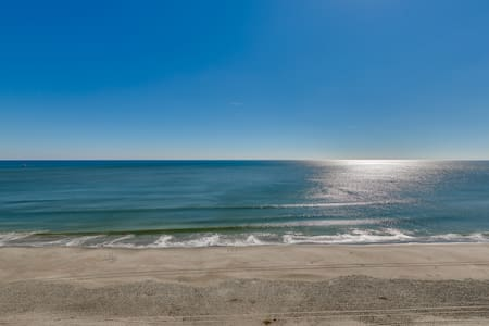 Mar Vista Grande Luxury AAA Four Diamond Resort - North Myrtle Beach