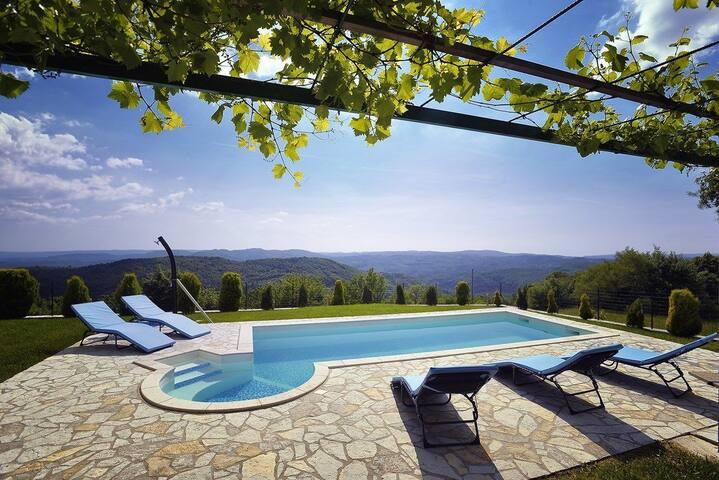 House Villa Bella (73658-K1)