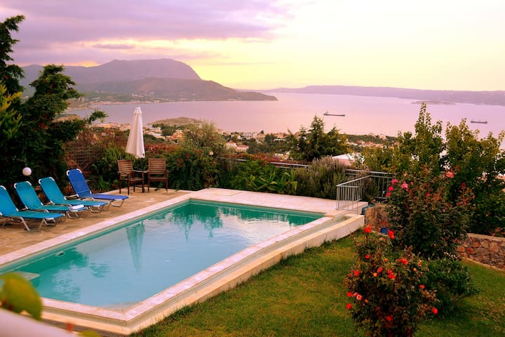Sea View Villa I in Crete with swimming pool - Kokkino Chorio - Hus