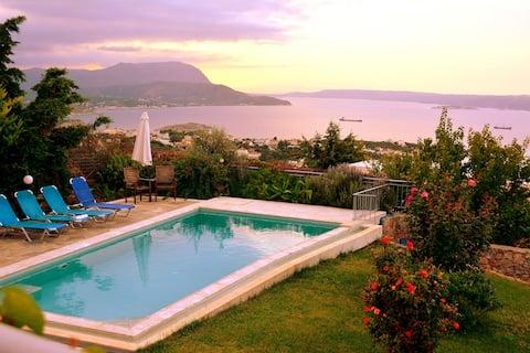 Βίλλα με θέα θάλασσα & ιδιωτικη πισίνα στα Χανιά