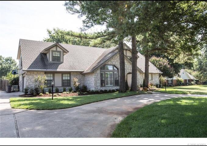Clean quiet house, very big and kid friendly! - Tulsa - Ev