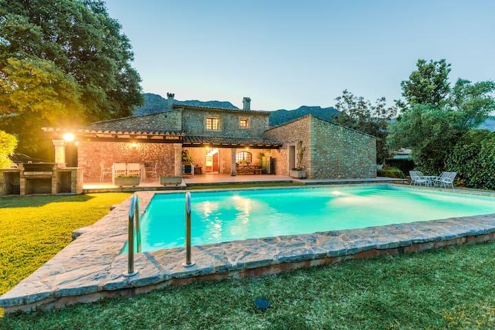 Stone mallorcan villa in Pollensa