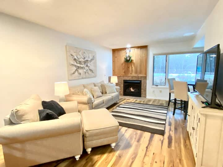 Close to SKI RESORTS | 2 bed, 1 bath, sleeps 5+