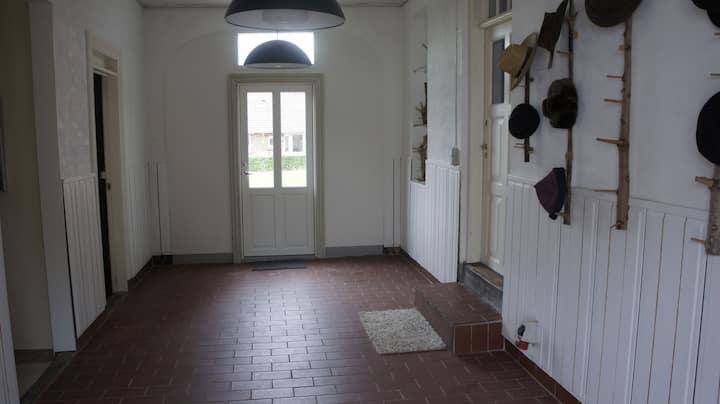 værelse i tidligere bageri.