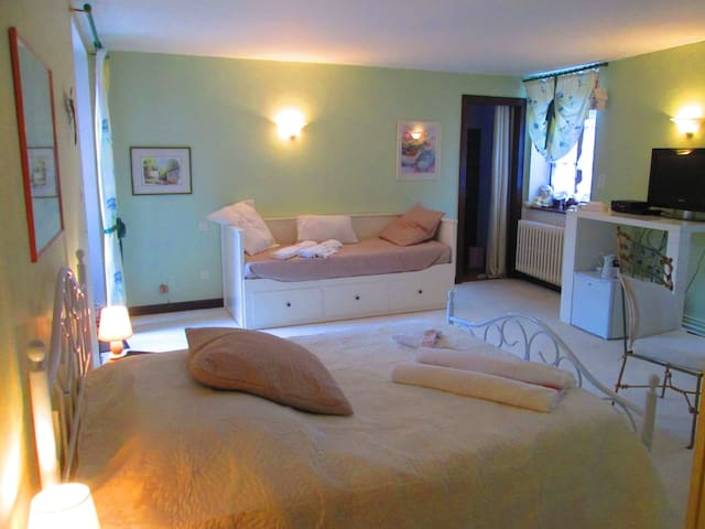 Chambre d'Hôtes - 10 mn Metz Centre - Argancy - Bed & Breakfast