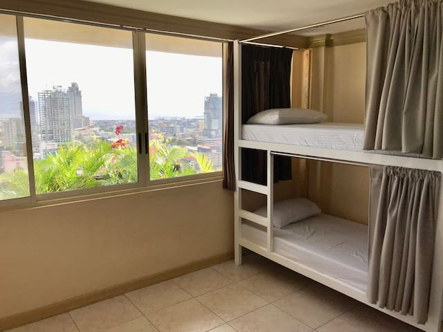 Cebu City View Backpacker Aircon•Wifi•Hot Shower