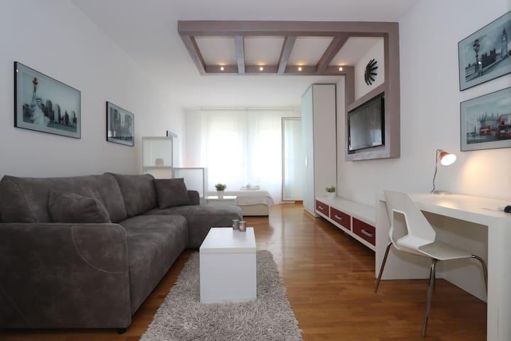 Belville New Belgrade studio apartment w/ parking
