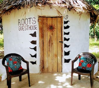 ROOTS Guesthouse @ Good Vibes Eco Lodge