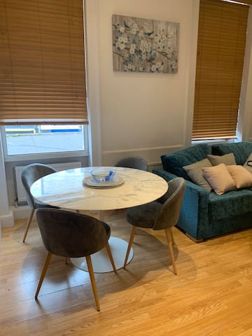 Stylish 1BR flat in the heart of Camden!