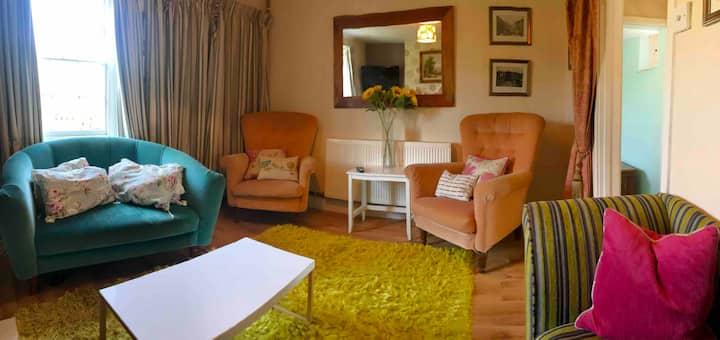 Cottage for 6 on village green