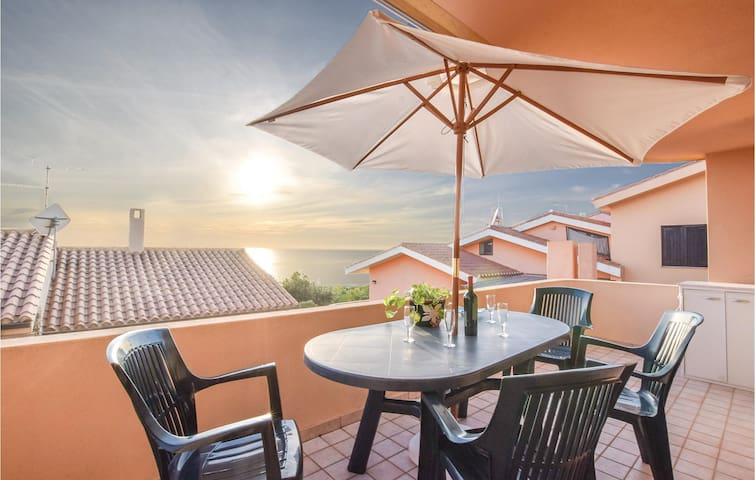 Holiday apartment with 2 bedrooms on 45 m² in Funtana Meiga
