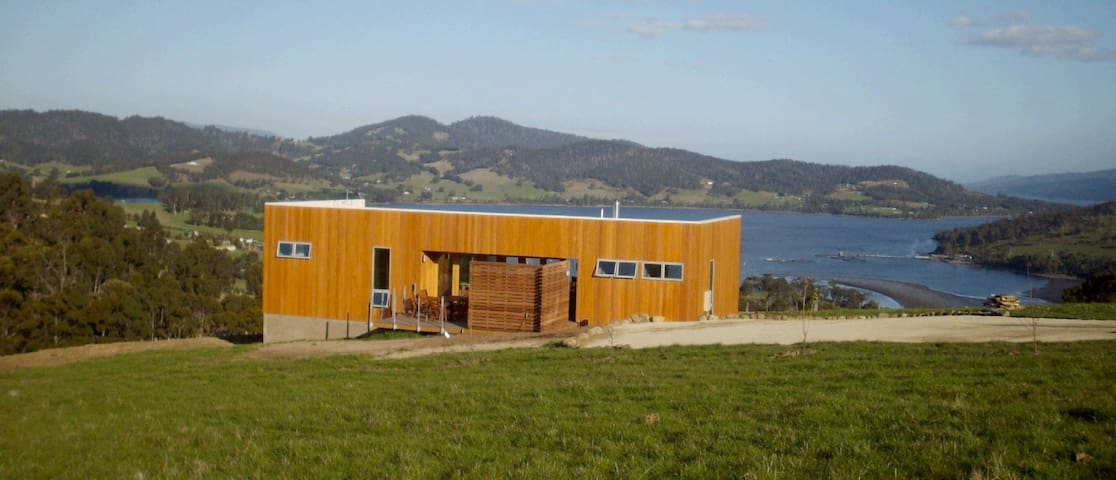 Deck House, Port Huon, Tasmania - Port Huon - House