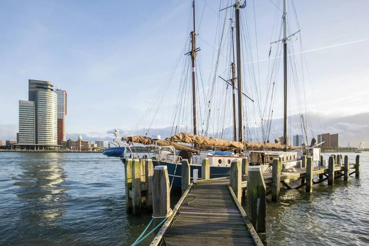 Unique Boat in Rotterdam near Town Center