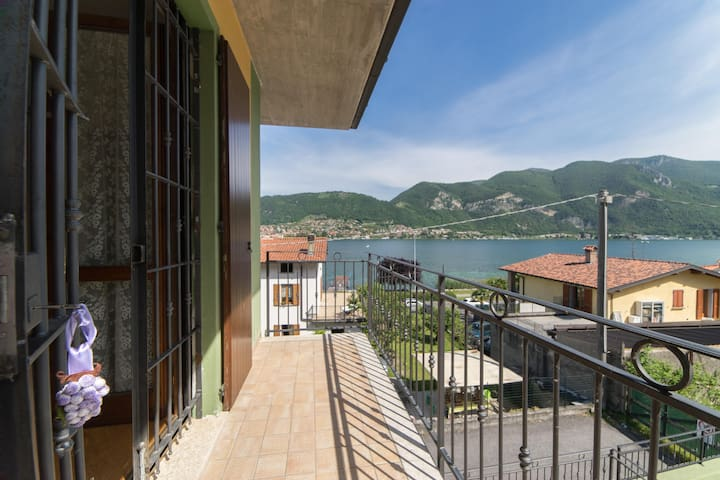 Relax sul lago Iseo Paratico - Paratico - House