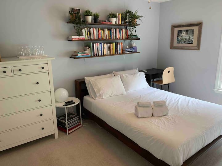 Private 1BR/1BA in a Cozy Home Downtown