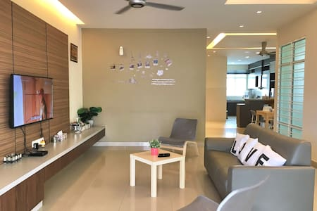 3-Storey Holiday Home 6 Bedrooms 16 Pax - (iBook2) - Tanjung Bungah - 別荘
