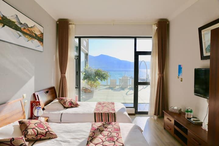 【恢复营业,全面消毒】一线海景双床房·带正面观海落地窗·就在洱海边·大理才村·近古城·出了院子就是海