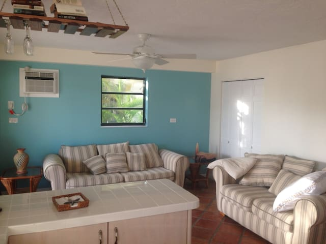 Cozy Waterfront Key Largo Apartment with HOT SPA