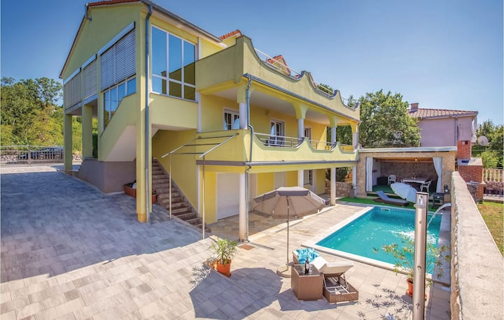 Nice home in Smrika with WiFi and 1 Bedrooms