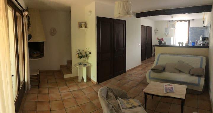 Gîtes le Pimayon T3-1168 2 chambres avec piscine