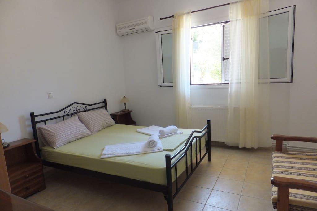 Υπνοδωμάτιο 1 - Διπλό Κρεβάτι