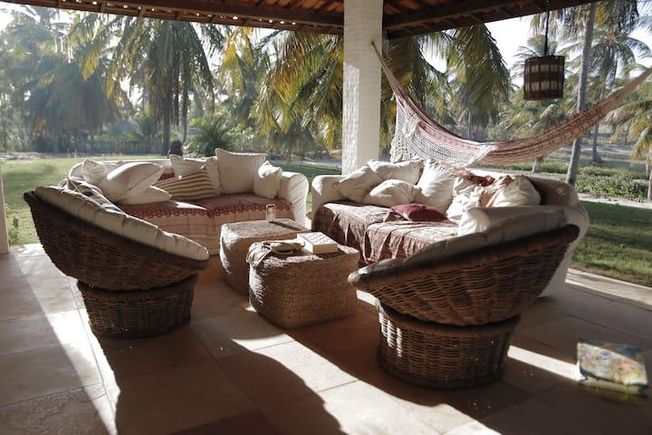 Tranquila casa familiar en Guajiru. Barbacoa Wifi