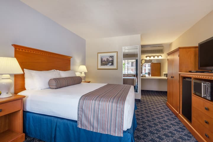 Sands Inn & Suites - Queen Room