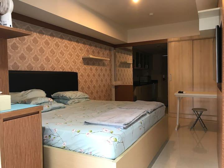 Pinnacle Apartment for rent 10th floor Semarang