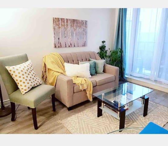 Brand New Condo @ Grand Palace, Parking included!