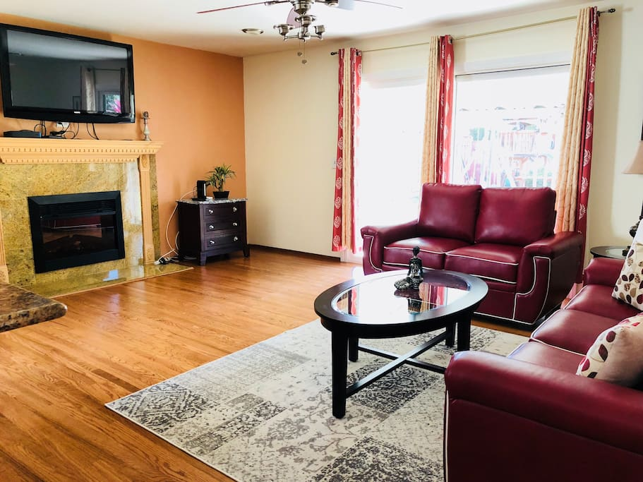 Spacious Family Room With Super High Speed Internet and 150+ Cable Channels