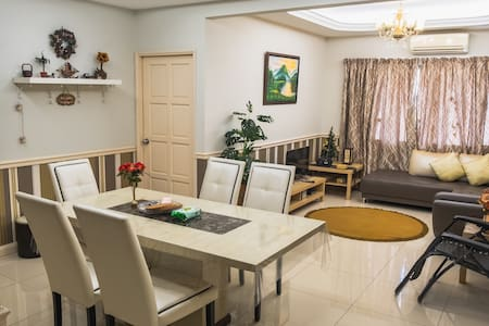 KL Cosy Home For Vacation   FREE WIFI